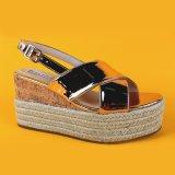 Donne di estate due cunei trasversali dei sandali della scarpa di tela delle scarpe di tela di Flatform del cuneo della cinghia
