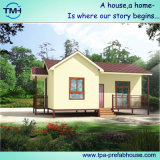 Casa pre fabricada con la elevación en área de la selva