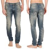 Der dünne Spandex der Soem-Männer Formnehmen passende Denim-Jeans ab