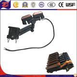 U печатает компактный изолированный шинопровод на машинке подъема