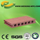 Suelo estándar barato y popular impermeable del Decking de Europa WPC