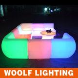 Muebles plásticos al aire libre del sofá LED para el sofá moderno de los asientos de la venta LED dos