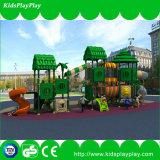El patio de los niños embroma el patio al aire libre de los cabritos del parque de los juguetes