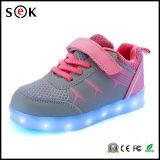 2016 Venta caliente de la fábrica bajo Precio Casual Zapatos LED para Popular Infantil baratos zapatos de moda
