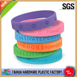 Bracelete barato colorido do silicone com Debossed (TH-6152)
