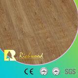 La nuez del roble del arce V-Grooved impermeabiliza el suelo de madera laminado