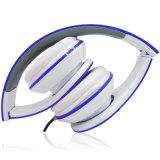 Marca de encargo del auricular de la insignia con el auricular de la estereofonia del Mic
