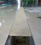 Passage couvert discordant moulé par fibre de verre