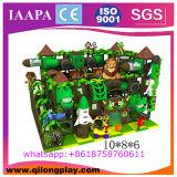 Do jogo macio impertinente do castelo das crianças campo de jogos interno do navio de piratas grande