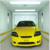 Pequeña elevación residencial al aire libre auto del coche del garage