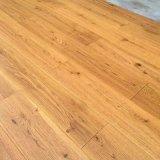 Suelo natural puro del interior de madera sólida