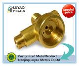銅か真鍮材料のCNCの機械化