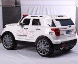 езда 12V эксплуатируемая батареей на автомобиле с светом полиций