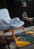 Cadeira de couro moderna da sala de visitas