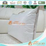 Talla estándar BRITÁNICA blanca de la almohadilla del escudete del hotel llenada de la almohadilla del lecho del ganso del blanco el 50% abajo