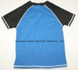 Swimwear della camicia dei ragazzi
