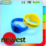 ISO14443A impermeabilizan el Wristband clásico 1K del silicón RFID MIFARE para el parque del agua