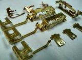 Carimbando partes com o rebite de prata do contato, apropriado para interruptores
