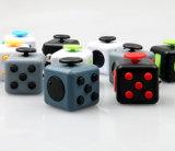 Плашка Uncompressing кубика понижения давления кубика непоседы упорная тревоженая ягнится игрушки
