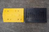 熱い販売の黄色のトラフィックのゴム製道の速度のこぶ