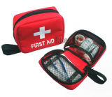 医学的な緊急事態の小型救急箱