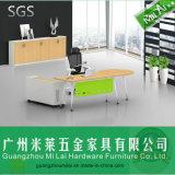 Moderno Ejecutivo escritorio de la tabla y de oficina Mueble de casa con el gabinete lateral
