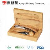 Caja de bambú del vino fijada con las herramientas