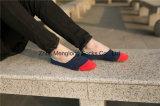 Les chaussettes invisibles de chaussettes de coupure du bas d'hommes de l'ajustement normal pour les chaussures occasionnelles conçoit en fonction du client avec le gel de Silicion
