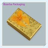 Rectángulo de regalo de papel de Carboard del color del oro para empaquetar