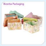 Cadre de papier de cadeau de carton de quatre couleurs