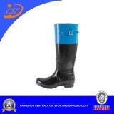 Caricamenti del sistema di pioggia di gomma del Brown delle alte donne del ginocchio di modo