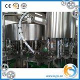 Macchina di coperchiamento di riempimento dell'acqua di imbottigliamento della plastica della bevanda