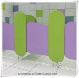[فمه] جميل صغيرة قوقع [هبل] مرحاض حجيرة لأنّ أطفال