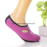 Ребра Aqua нового обновленного варианта носок воды прочные Barefoot обувают носки Aqua ботинок кожи воды тренировки йоги прибоя Swim бассеина пляжа