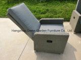 腰掛けが付いているガスのリクライニングチェアの一定の調節可能なソファー