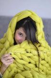 두꺼운 뜨개질을 하는 모직 털실 손 니트 담요 던짐 침구 양탄자