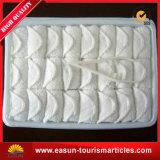 航空会社使い捨て可能なタオルの綿のための熱いタオル