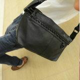 O saco por atacado o mais novo do saco de ombro do rebite da forma da alta qualidade