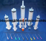 Équipement médical remplaçable avec la glissade de Luer ou le blocage de Luer