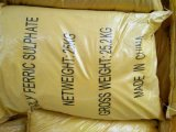 Sulfato férrico polimérico /Pfs del polvo amarillo para el tratamiento de aguas