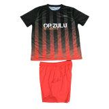 Sublimation-Fußball-Uniform mit Socken-Fußball-Installationssatz mit kundenspezifischer Größe