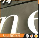 Outdooor는 Frontlit 아크릴 LED 편지를 적용했다