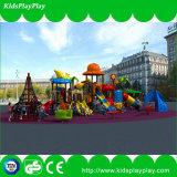 Im Freienkind-Spielplatz mit Gummifußboden