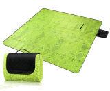 容易なスエードはFoldable屋外浜のピクニックマットを運ぶ