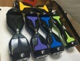 新しいデザインは熱い販売の電気スクーター2の車輪のHoverboardのスケートボードの自己のバランスのスクーターを模倣する