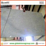品質のカシミールの壁または床タイルのための白い花こう岩の平板