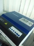 192V 50A/75A/100Aの太陽料金のコントローラPWMの料金のモードのスマートなコントローラ