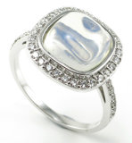 CZの石造りのリングR10558が付いている現代個人化されたデザイン銀の宝石類の方法925純銀製のリング