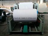 機械を作るフルオートマチックの工員タオルのチィッシュペーパー
