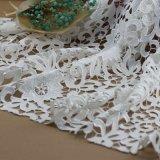 Tela del cordón del bordado del ganchillo del algodón para la ropa